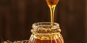 12 Ways Local Honey Benefit Your Health