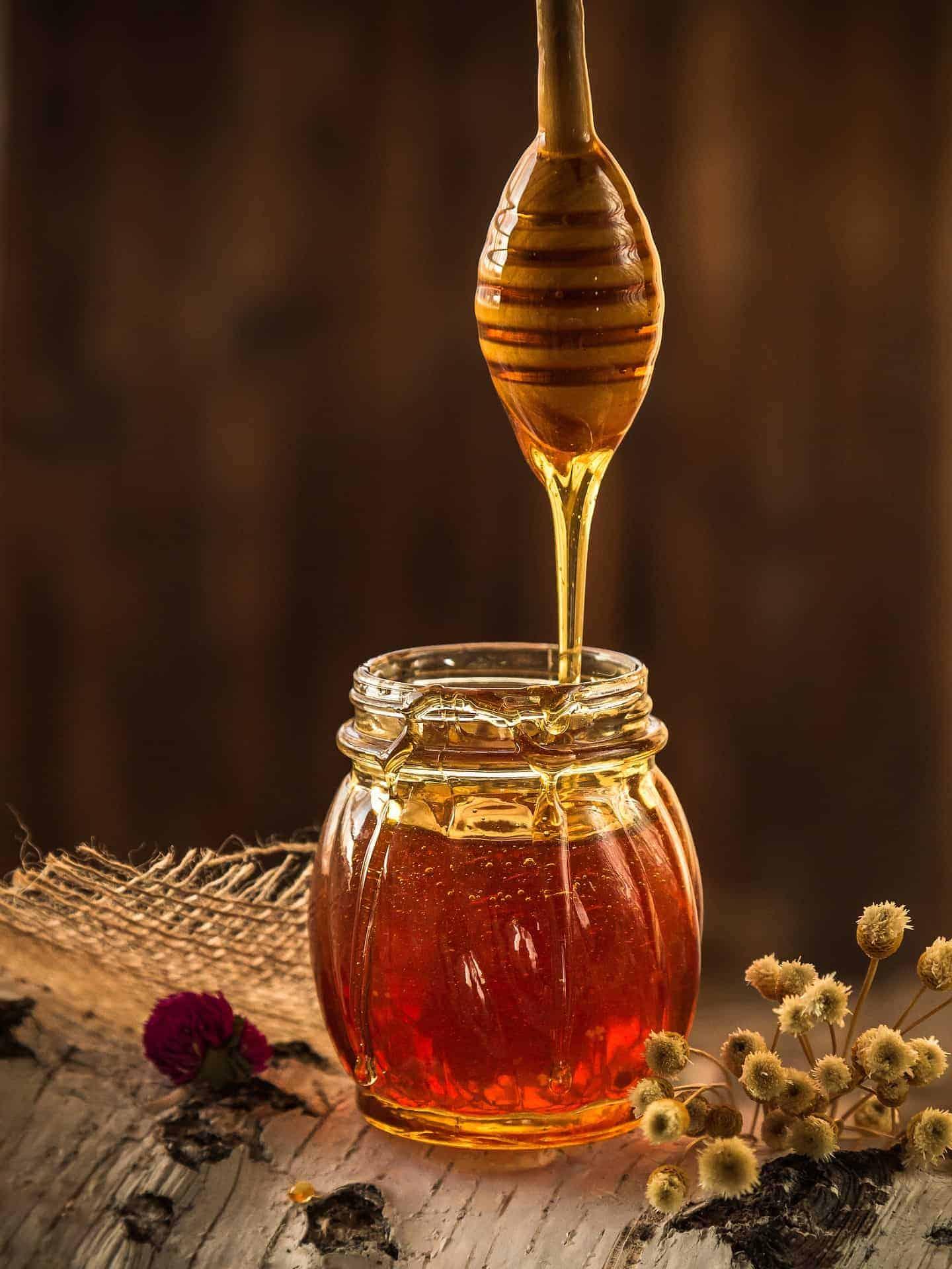 12 Ways Local Honey Benefit Your Health